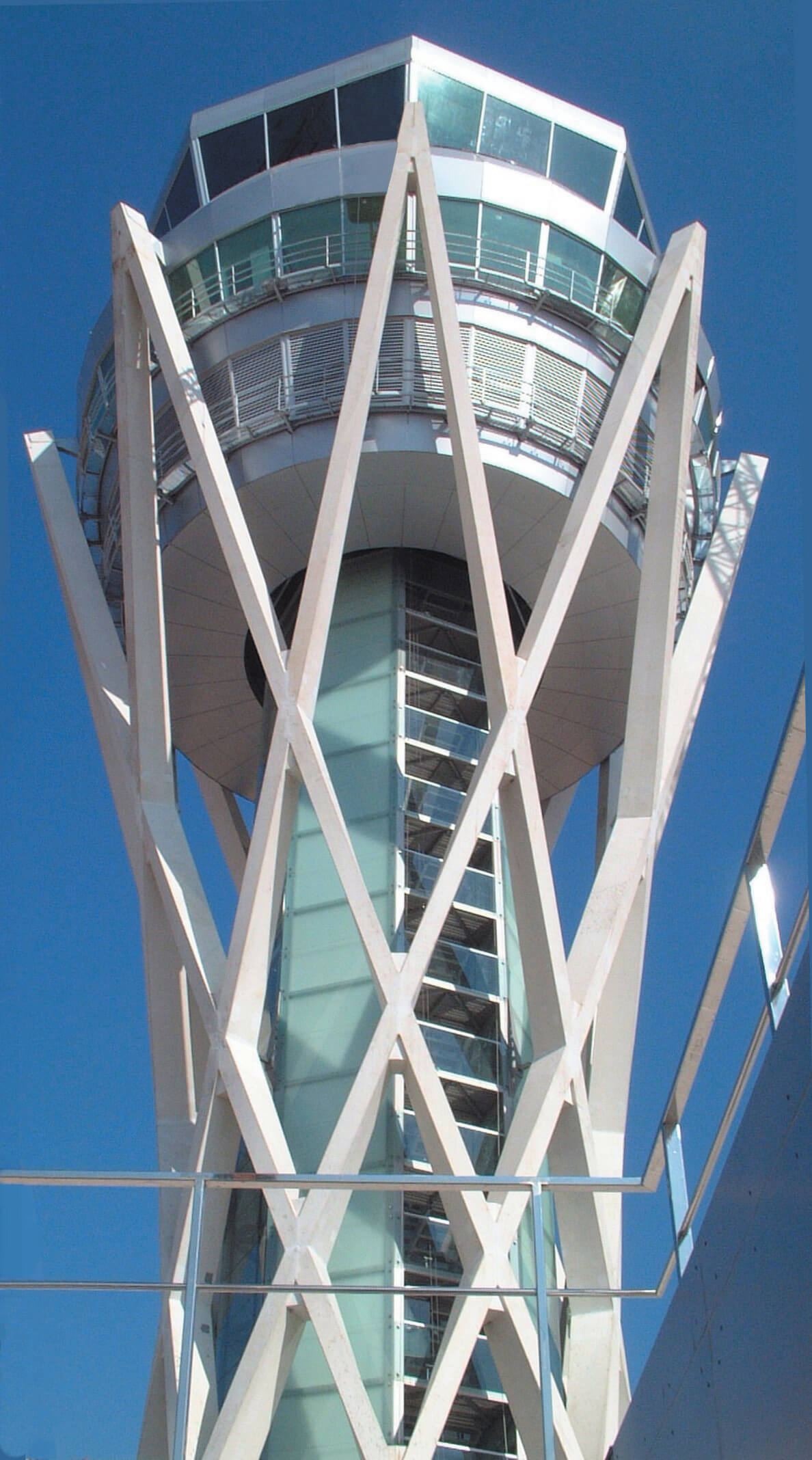 Barcelona Air Traffic Control Tower, Barcelona, Spain.jpg